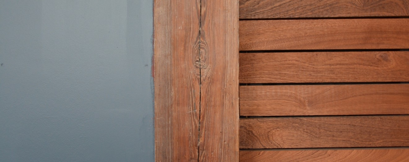Detail - Old and new wood